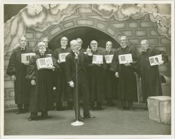 George M. Cohan with the Supreme Court, Photo by Vandamm Studio, © New York Public Library
